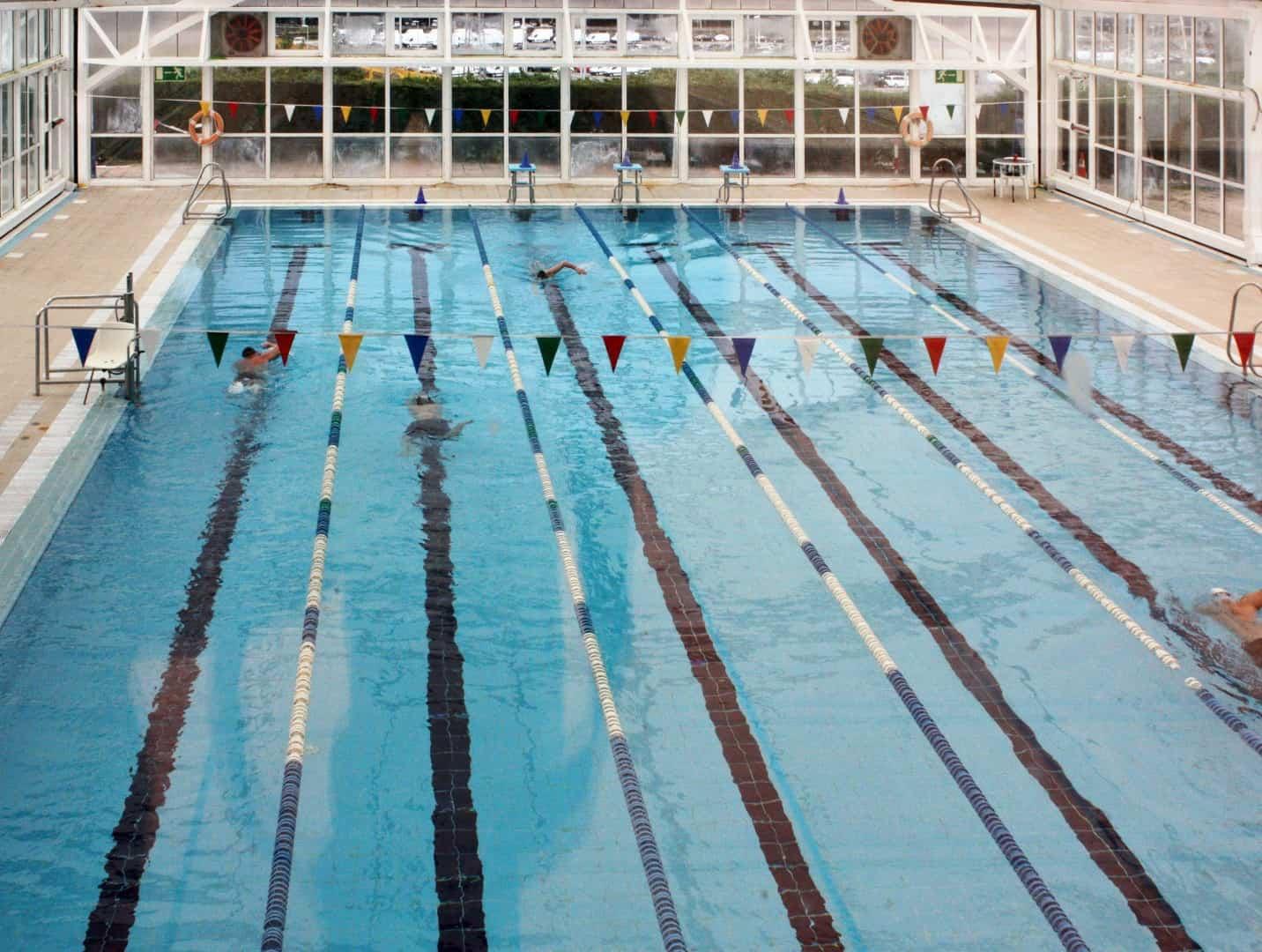 Se puede ahorrar energ a en las piscinas climatizadas for Se puede fumar en las piscinas