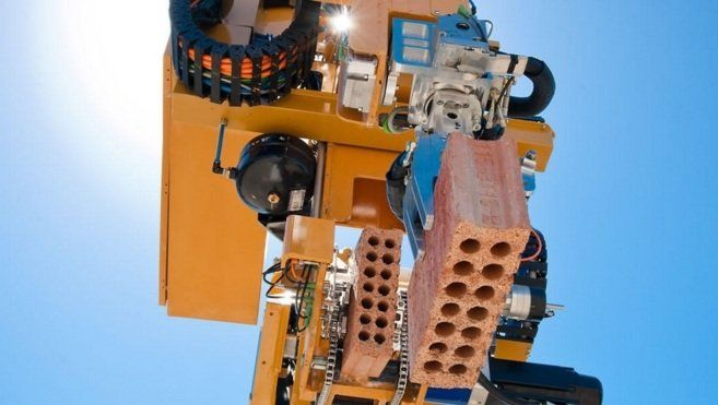 Hadrian, el robot constructor