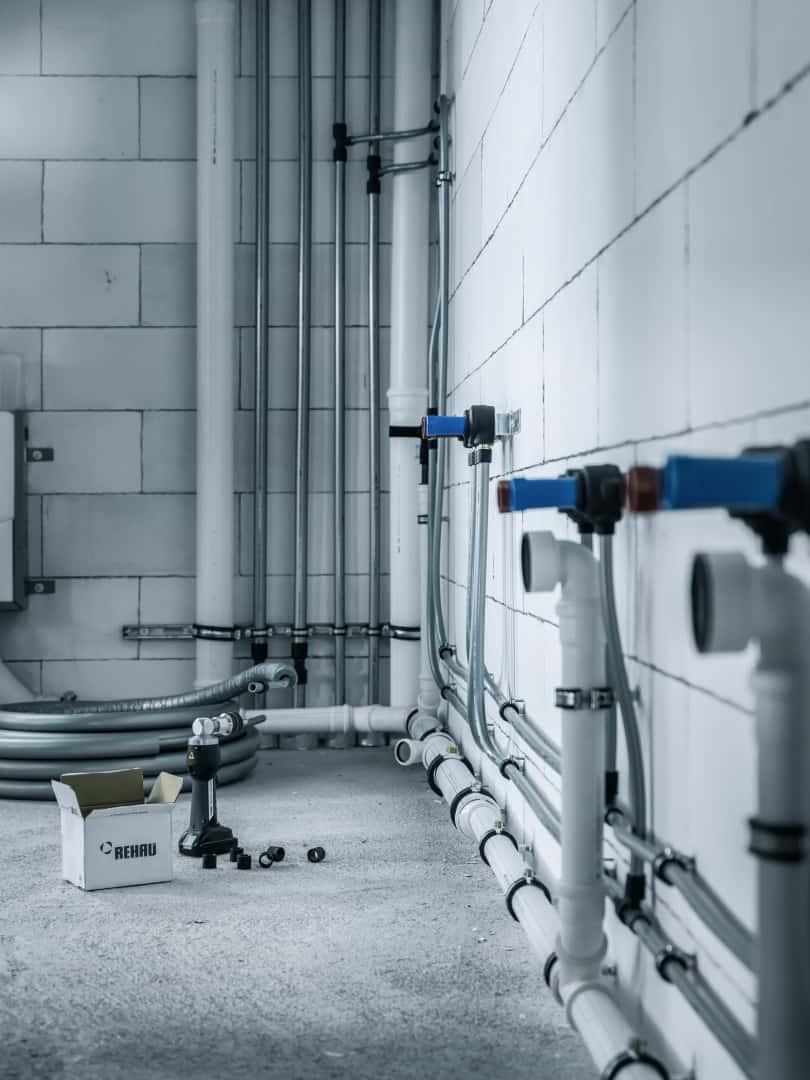 Instalaciones seguras de agua potable y conexión a radiadores con RAUTITAN
