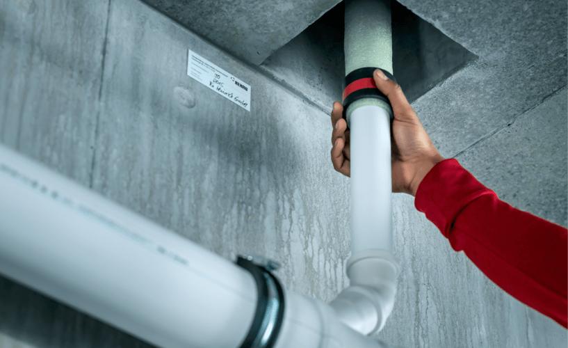 Canalización insonorizante para la evacuación de aguas en el interior de edificios