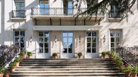 El Embajador de Francia elige cerramientos Deceuninck para renovar las ventanas de su residencia
