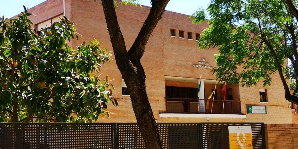 Colegio Sevilla instalación climatización eficiente Midea