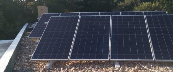 instalación solar fotovoltaica vivienda Ajo