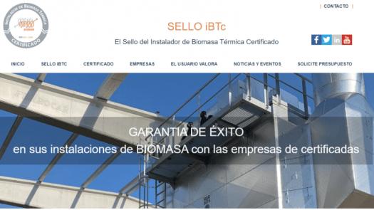 El sello del instalador de biomasa térmica certificado estrena web