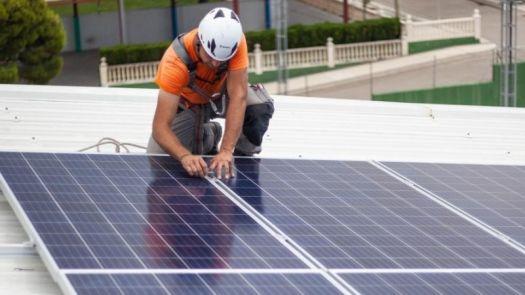 EDP abona los excedentes de las instalaciones solares de autoconsumo de sus clientes