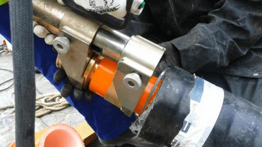 Canalización de aguas termales con tubería preaislada RAUVITHERM para un polideportivo en Orense