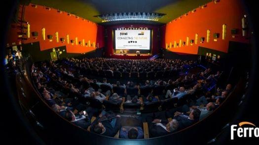 """El Grupo Ferroli celebra su evento """"Connecting the future"""" en el teatro Goya de Madrid"""