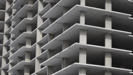 La paralización del sector de la construcción afecta a un 89% de obras en España