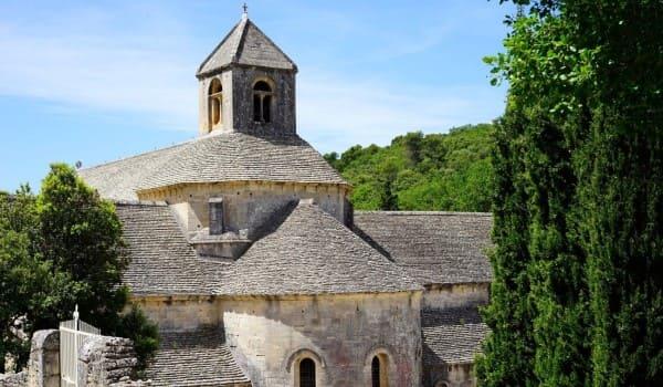 cubierta-inclinada-monasterio-senanque-francia