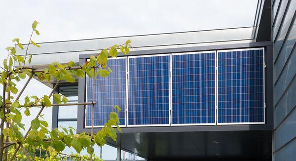 edificio-registrado-verde-placas-solares
