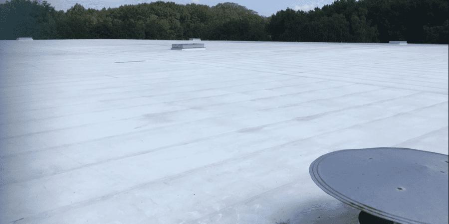 Cubiertas resistentes con soluciones RENOLIT ALKORPLAN F